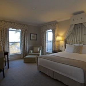 Deluxe View Gourmet Getaway Package